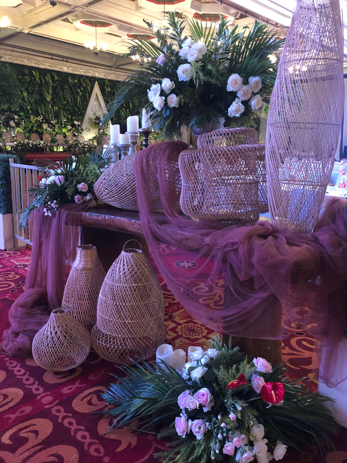 Batak Garden Wedding by Lovemedecor.id - 006