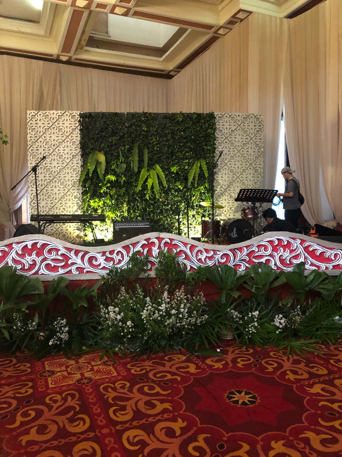 Batak Garden Wedding by Lovemedecor.id - 016