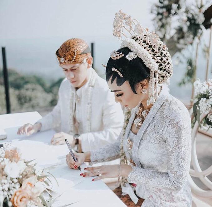Modern intimate wedding by Lovemedecor.id - 021