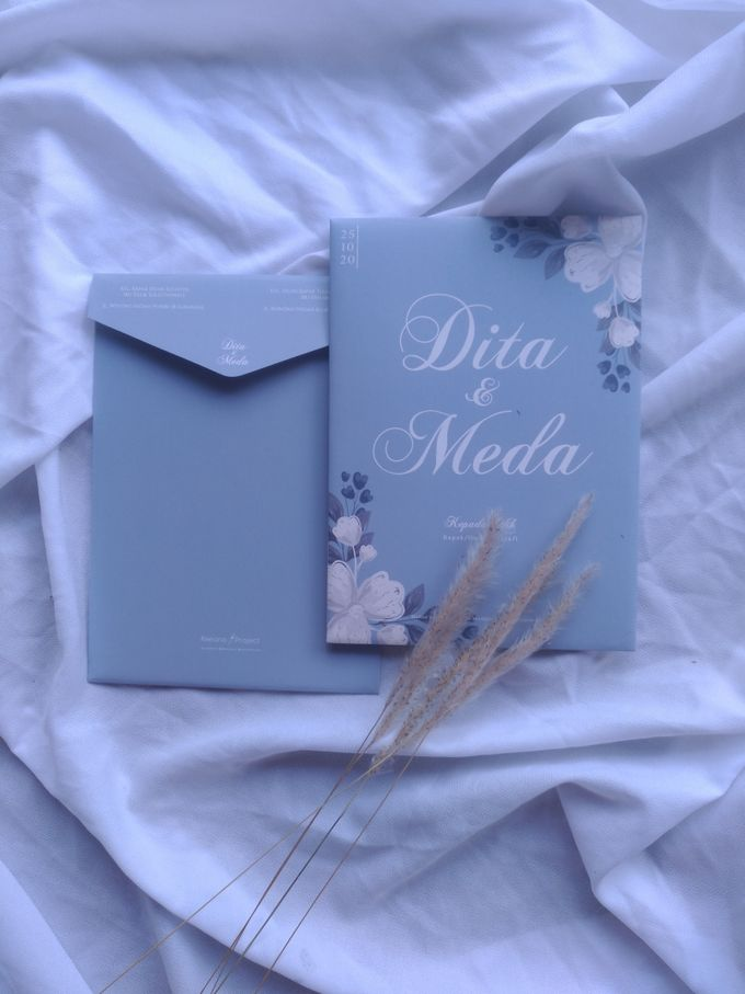 Dita & Meda - Hard cover cutting envelope by Keeano Project - 003