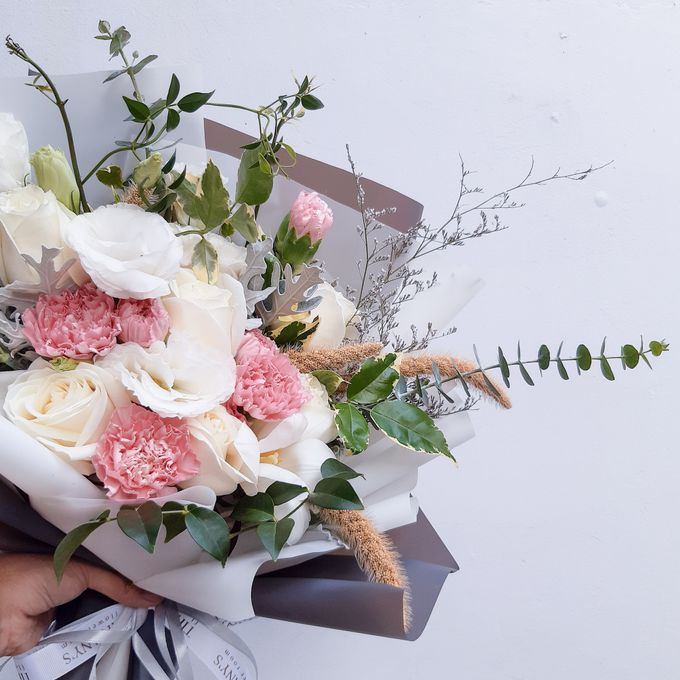 Gift Bouquet by Tiffany's Flower Room - 044