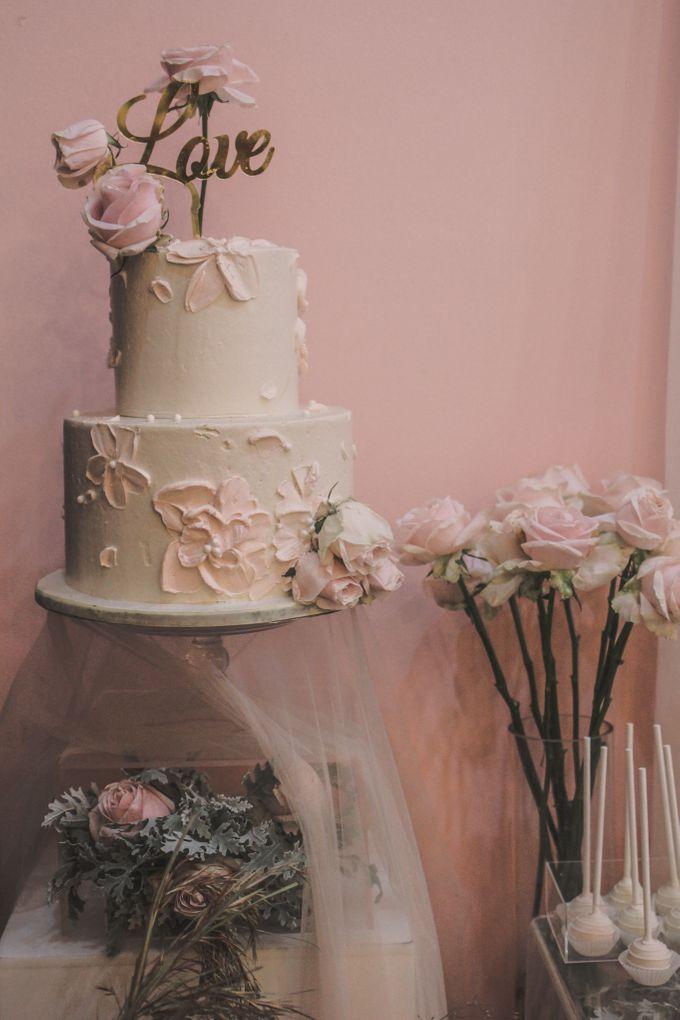 Romantic Dessert Table by Gordon Blue Cake - 020
