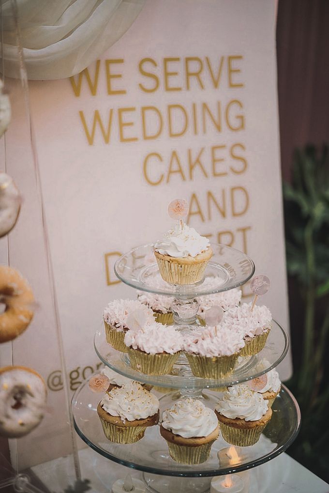 Romantic Dessert Table by Gordon Blue Cake - 021