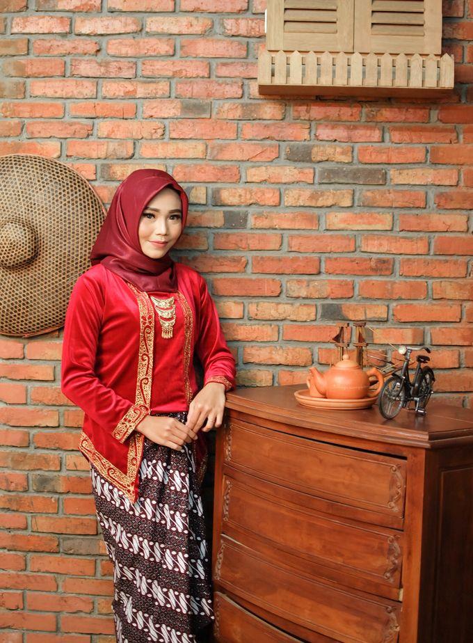 omg...so pretty with hijab by R & E Bridal - 006