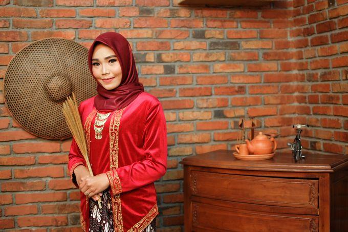 omg...so pretty with hijab by R & E Bridal - 003