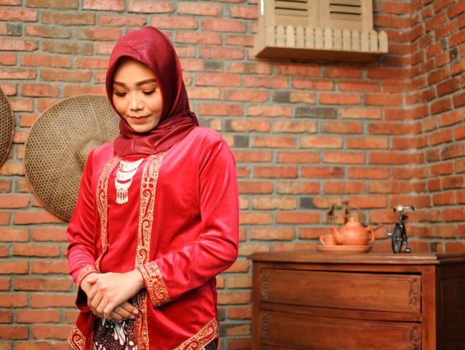 omg...so pretty with hijab by R & E Bridal - 005