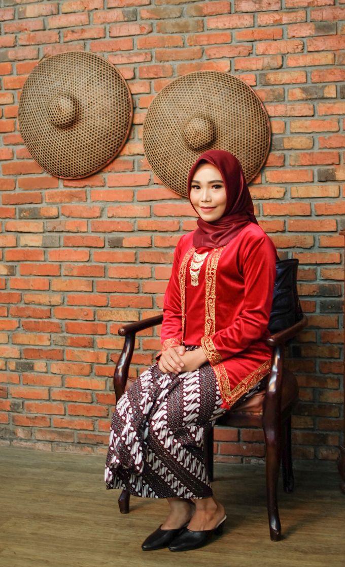 omg...so pretty with hijab by R & E Bridal - 002