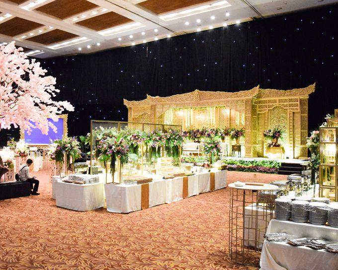 Wedding Rendra & Indri Granada Ballroom Menara 165 by Medina Catering - 001
