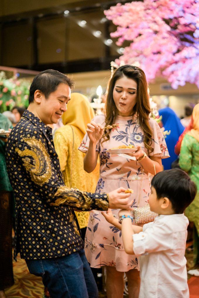 Wedding Rendra & Indri Granada Ballroom Menara 165 by Medina Catering - 008