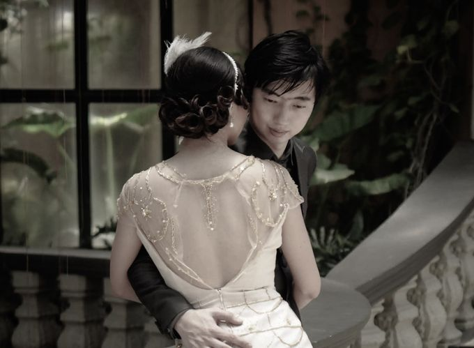 Beautiful Low-back Wedding Gown by Obra Alta Costura - 002