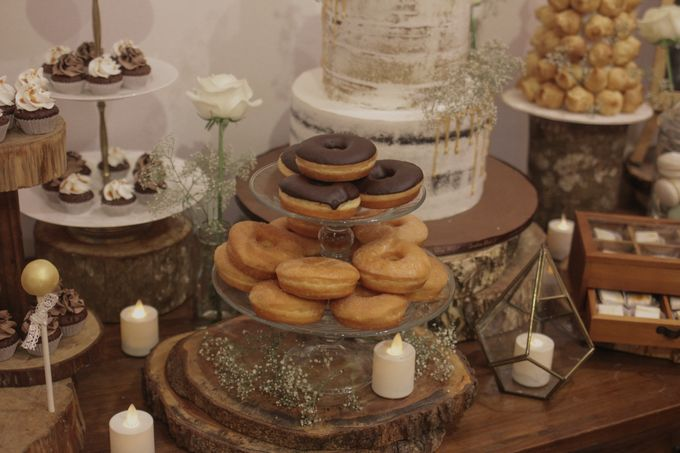 Rustic Dessert Table by Gordon Blue Cake - 026