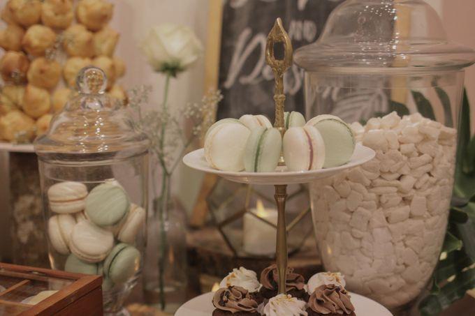 Rustic Dessert Table by Gordon Blue Cake - 025