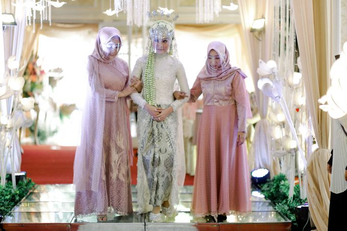 The Wedding Of L&R by Senadajiwa - 022