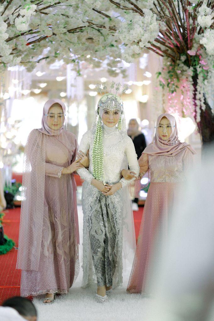 The Wedding Of L&R by Senadajiwa - 025