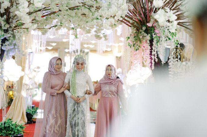 The Wedding Of L&R by Senadajiwa - 021