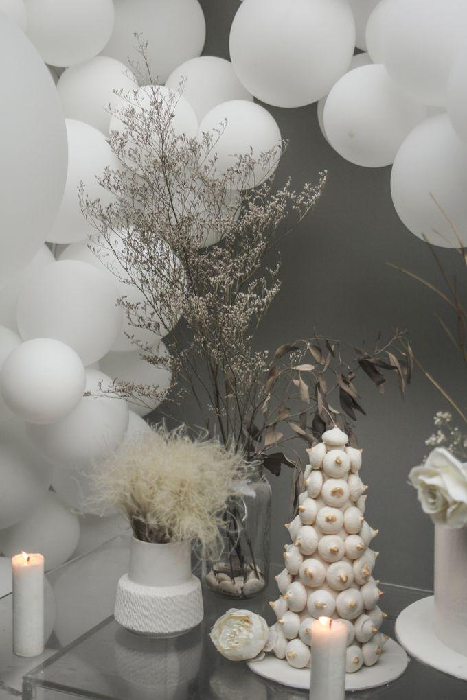 Romantic Dessert Table by Gordon Blue Cake - 031