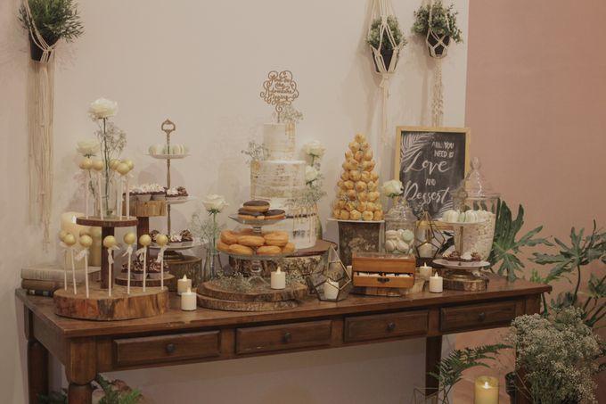 Rustic Dessert Table by Gordon Blue Cake - 028