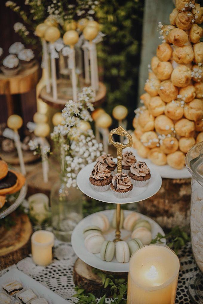 Rustic Dessert Table by Gordon Blue Cake - 029