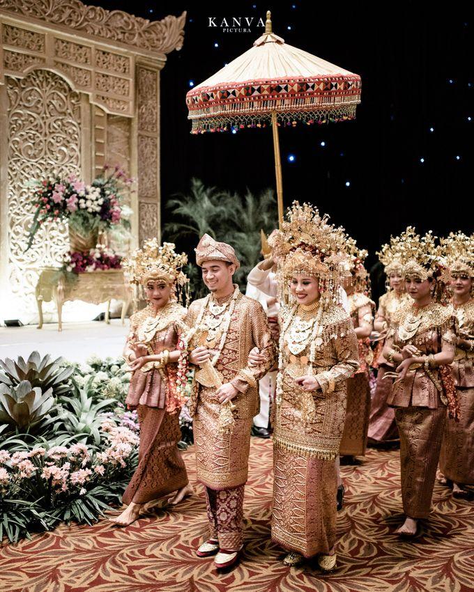 Wedding Rendra & Indri Granada Ballroom Menara 165 by Medina Catering - 011