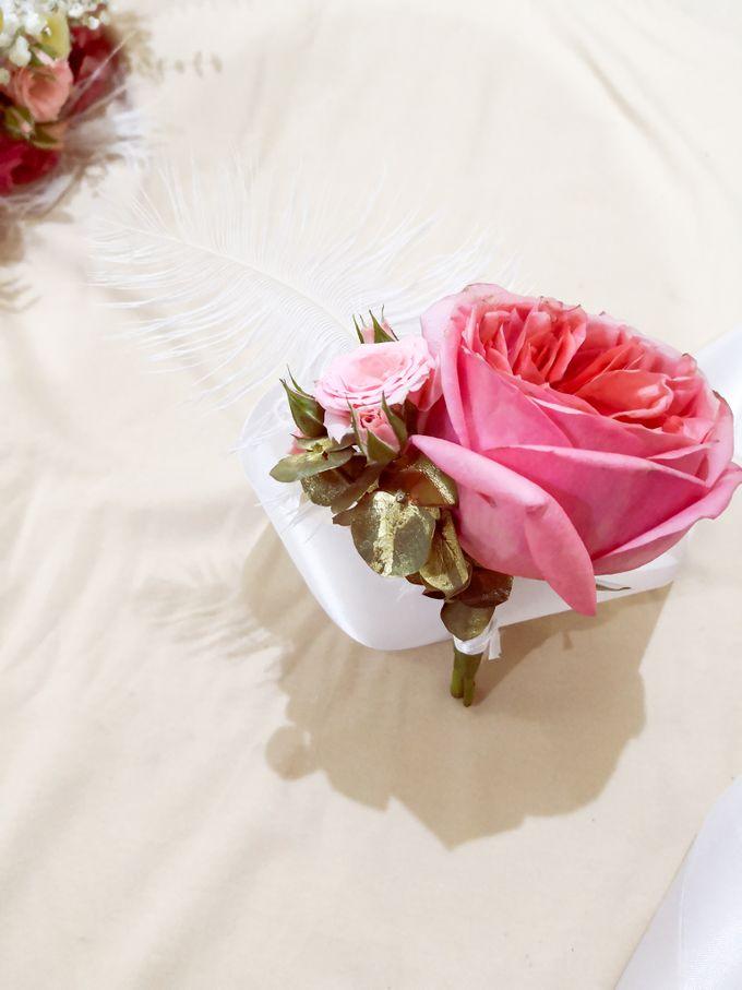 Boutonniere & Corsage by Frisch Florist - 002