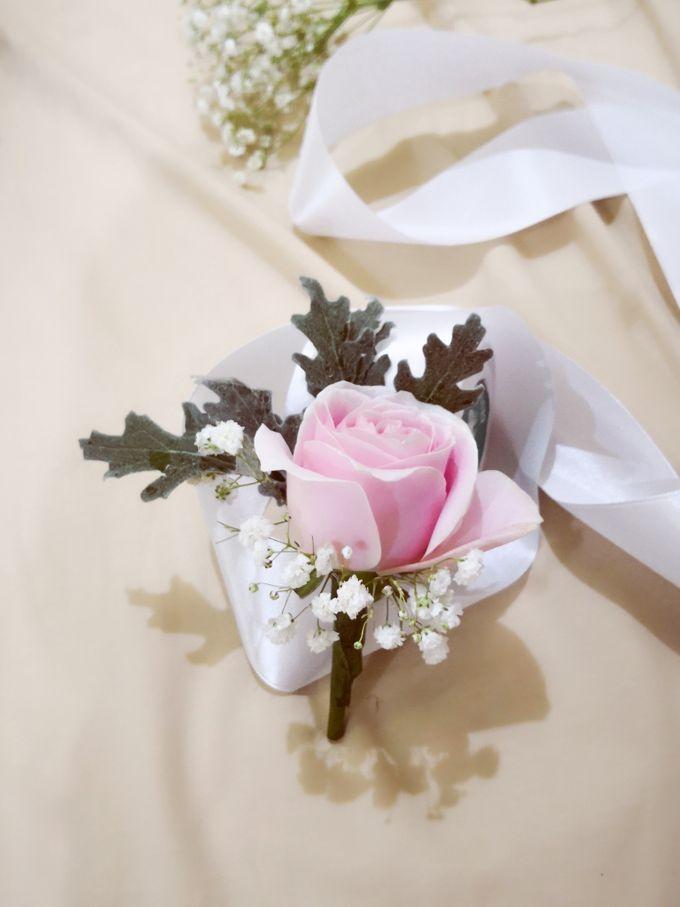 Boutonniere & Corsage by Frisch Florist - 001