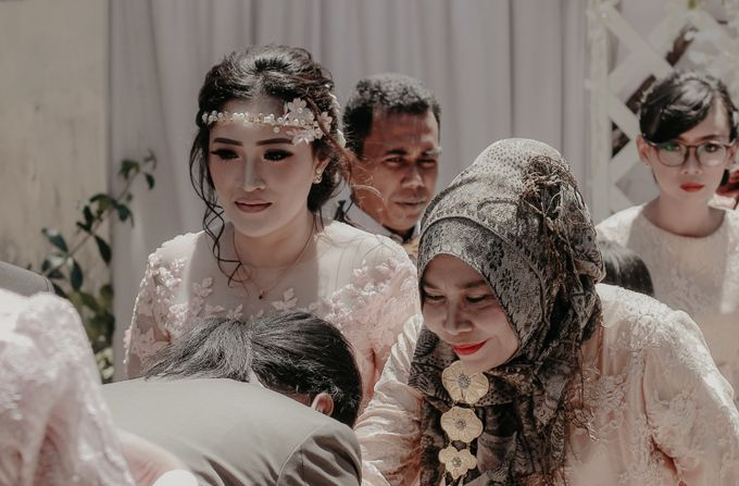 The Wedding of Riska & Tigor by aditya pictura - 002