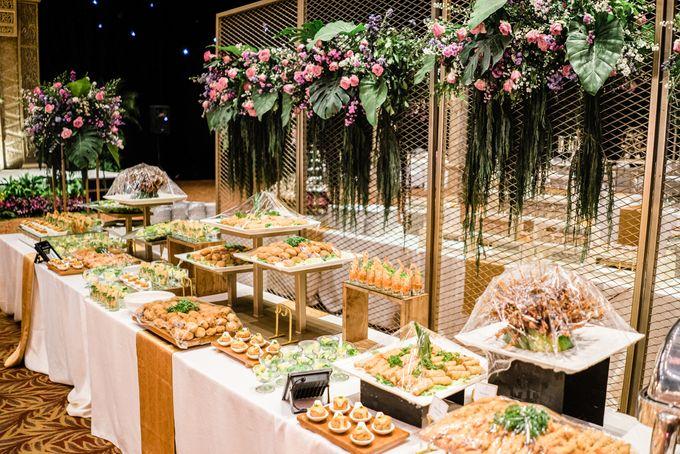 Wedding Rendra & Indri Granada Ballroom Menara 165 by Medina Catering - 009