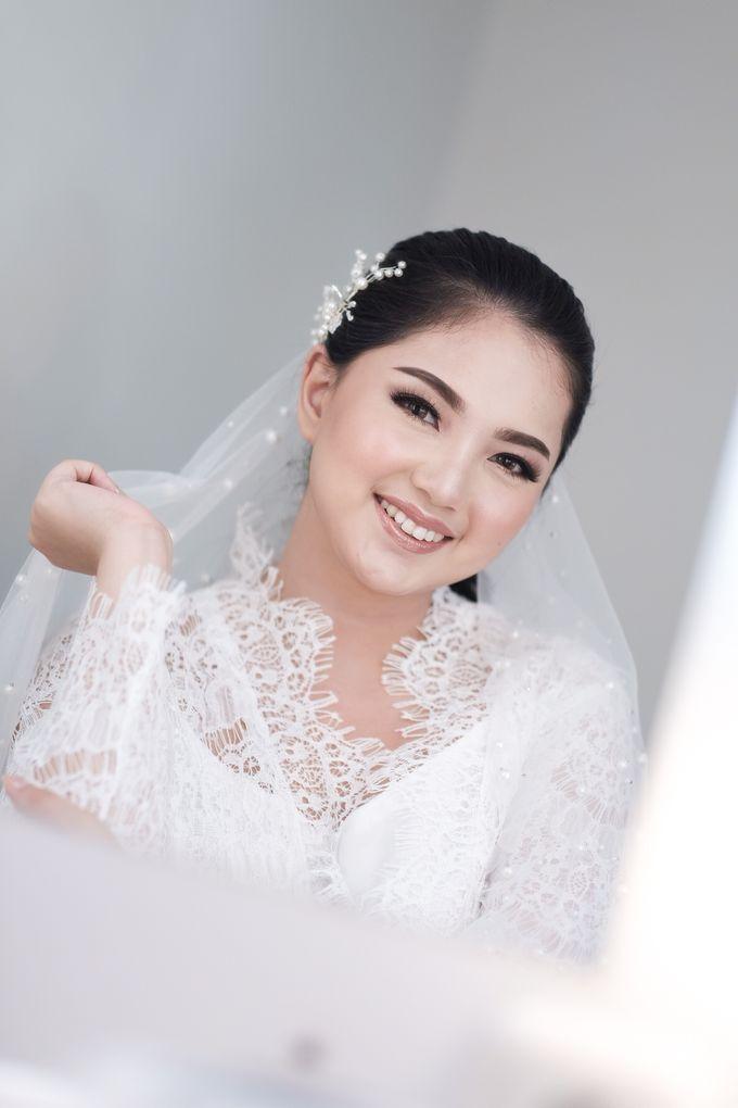 Soft Glam Wedding Makeup + Simple Hairdo For Indah by Devina Martina Sulam Alis - 005