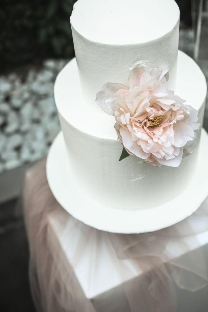 Romantic Dessert Table by Gordon Blue Cake - 024