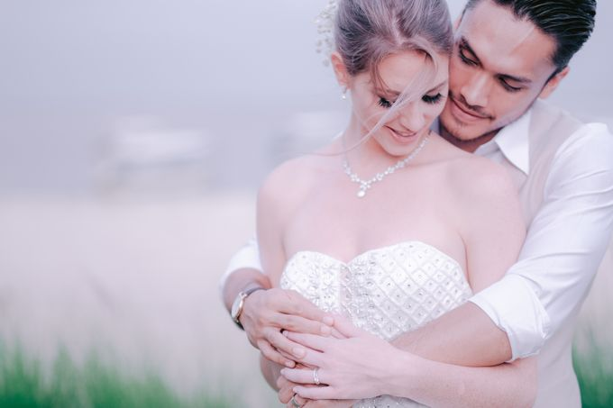 Randy Pangalila and Chelsea Bali Wedding by Rosemerry Pictures - 003