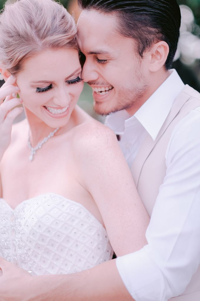 Randy Pangalila and Chelsea Bali Wedding by Rosemerry Pictures - 004