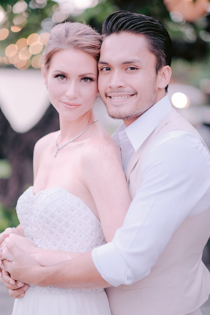 Randy Pangalila and Chelsea Bali Wedding by Rosemerry Pictures - 005