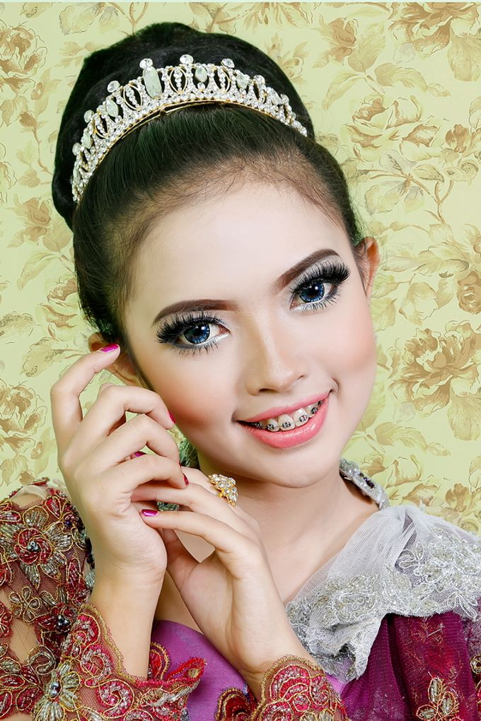 Wedding Make Up, Graduation, And Engagement by qaylamakeup - 003