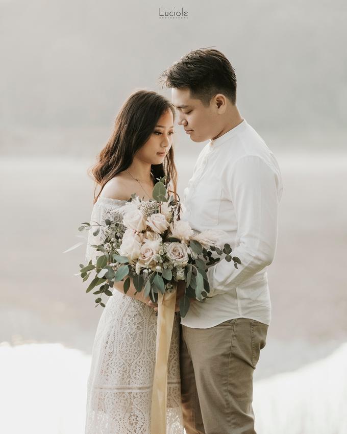 Prewedding at Bandung (Kelvin Yohana) by Luciole Photography - 019