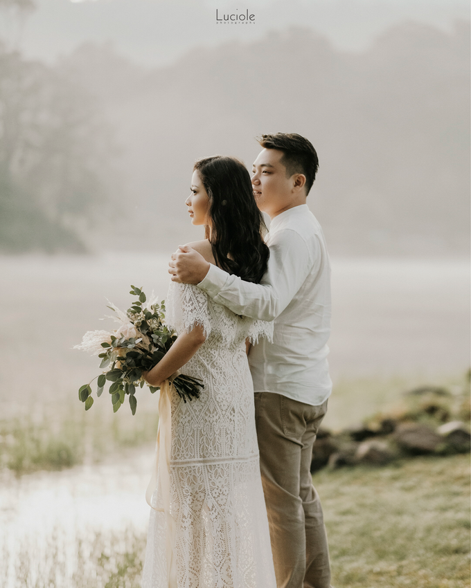 Prewedding at Bandung (Kelvin Yohana) by Luciole Photography - 020