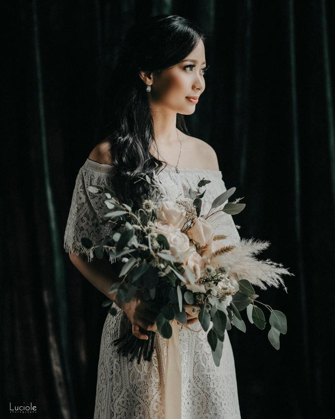 Prewedding at Bandung (Kelvin Yohana) by Luciole Photography - 023