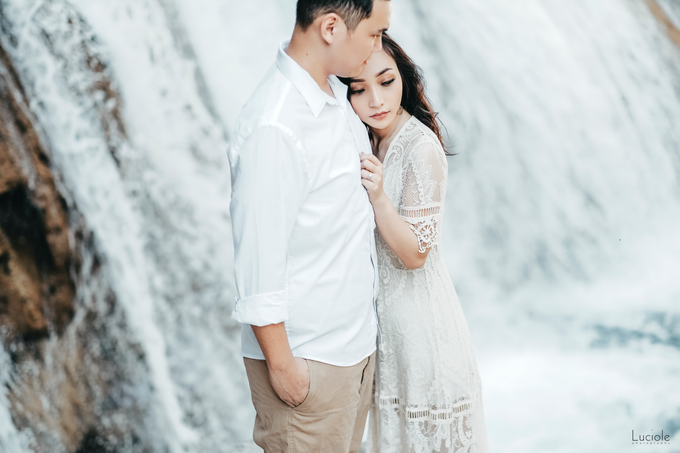 Prewedding at Sumba (Kunthara Giselle) by Luciole Photography - 023