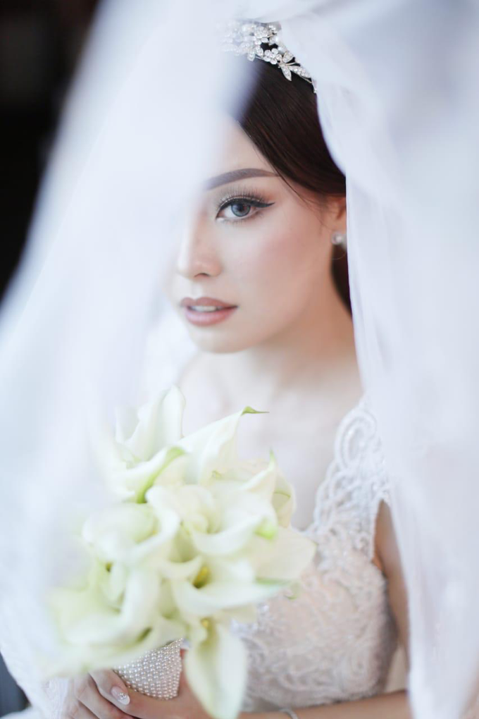 Wedding Stephanie and Sastra by Luminous Bridal Boutique - 001