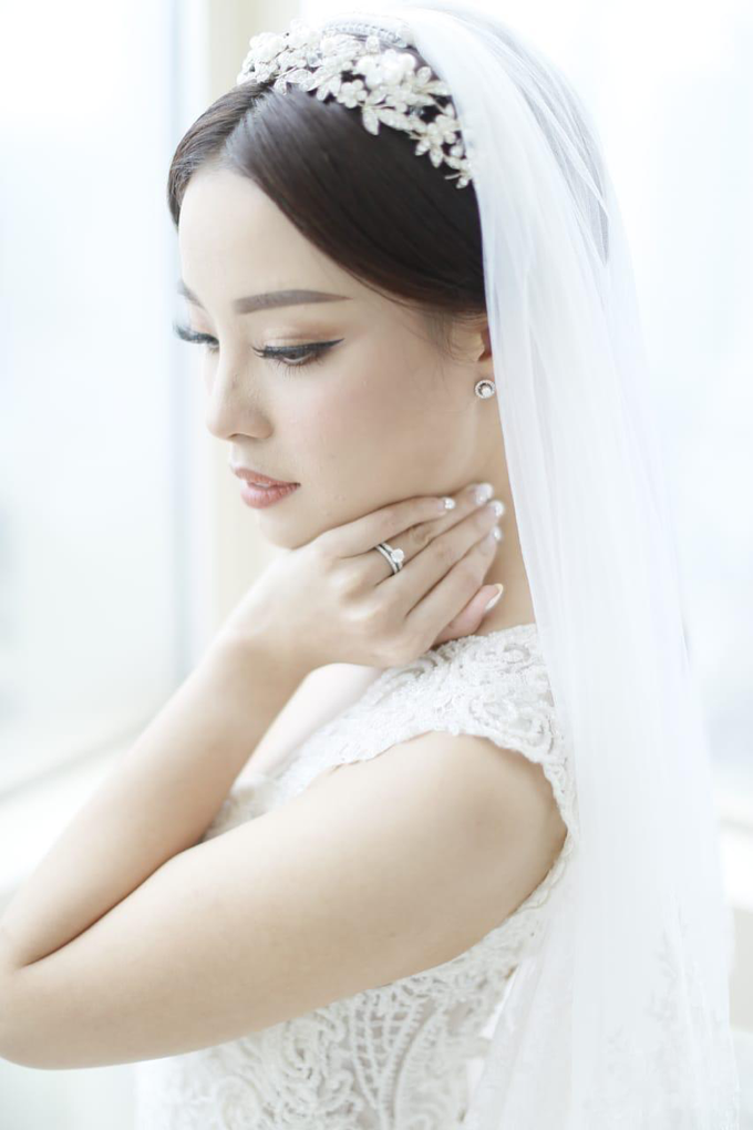 Wedding Stephanie and Sastra by Luminous Bridal Boutique - 005