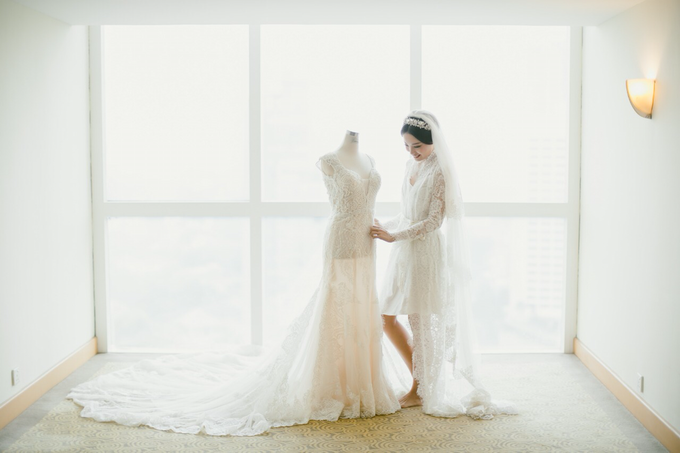 Wedding Stephanie and Sastra by Luminous Bridal Boutique - 016