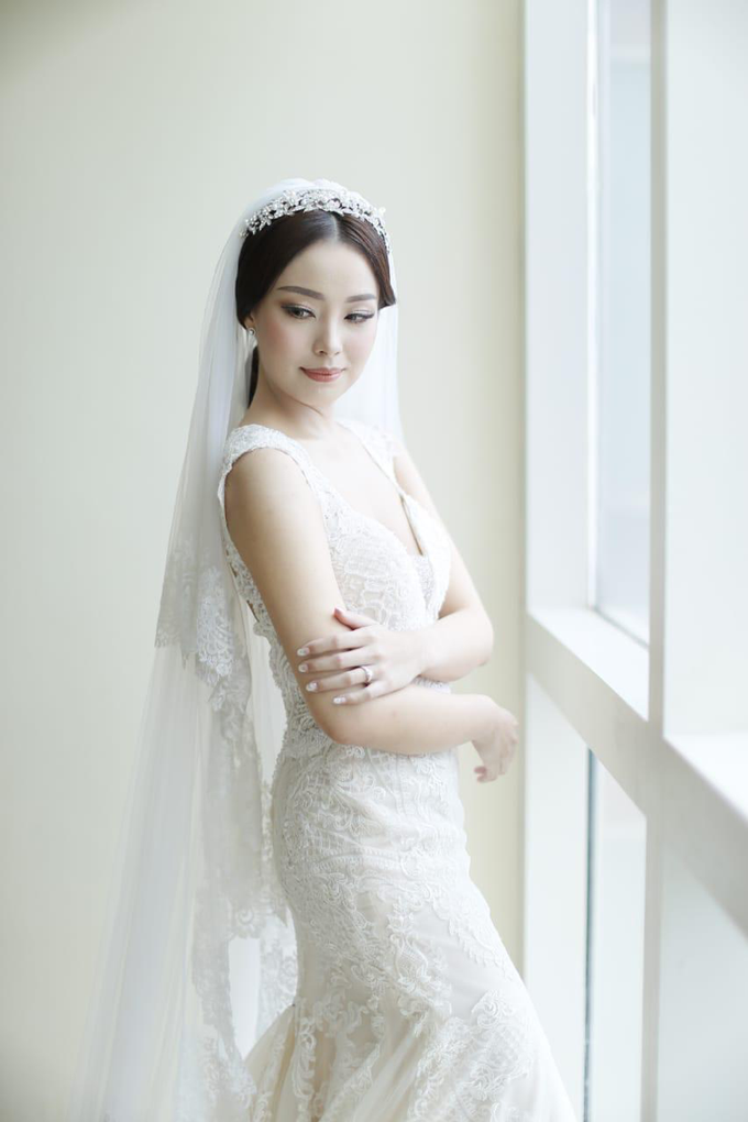 Wedding Stephanie and Sastra by Luminous Bridal Boutique - 025