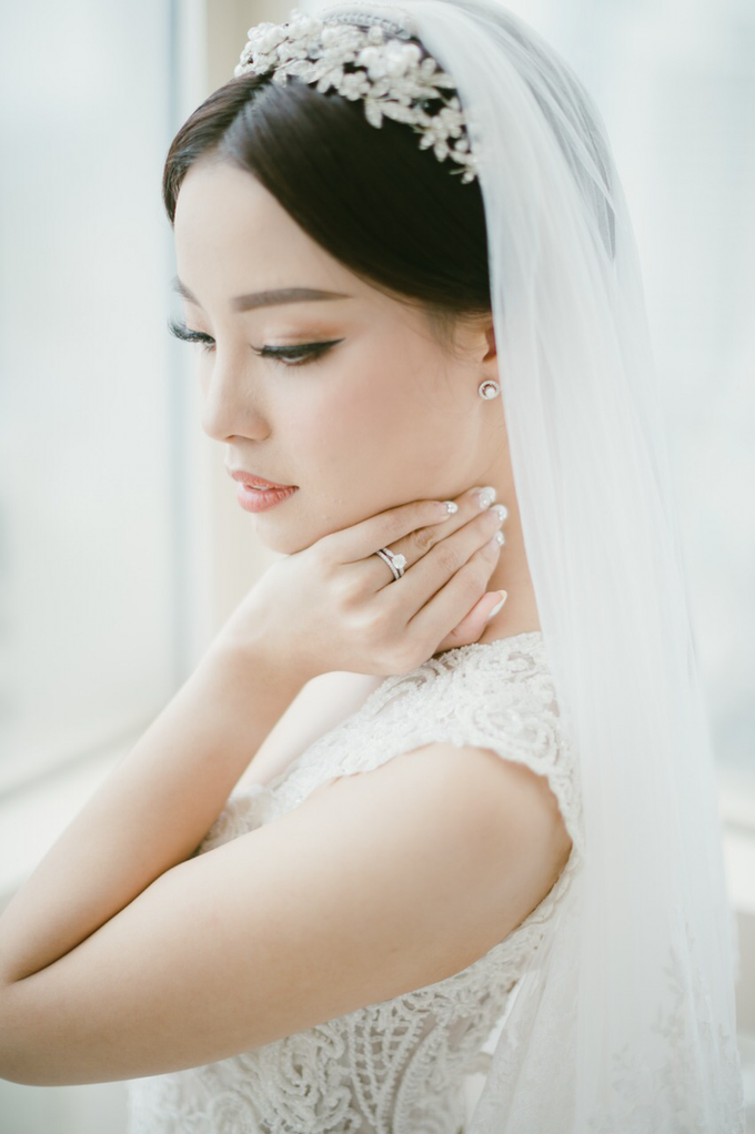 Wedding Stephanie and Sastra by Luminous Bridal Boutique - 019
