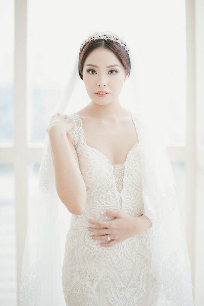Wedding Stephanie and Sastra by Luminous Bridal Boutique - 014