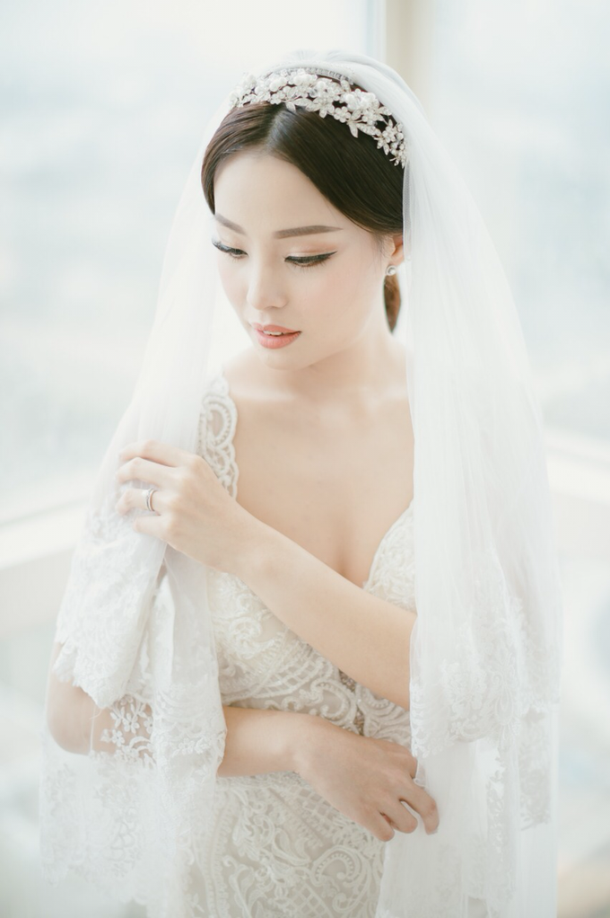 Wedding Stephanie and Sastra by Luminous Bridal Boutique - 012
