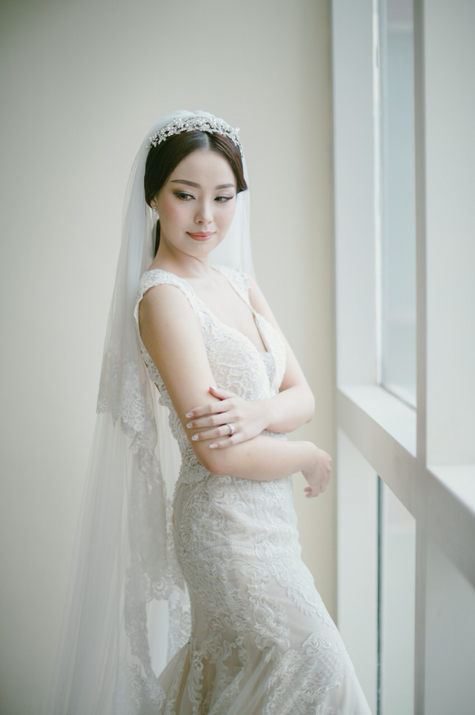 Wedding Stephanie and Sastra by Luminous Bridal Boutique - 011