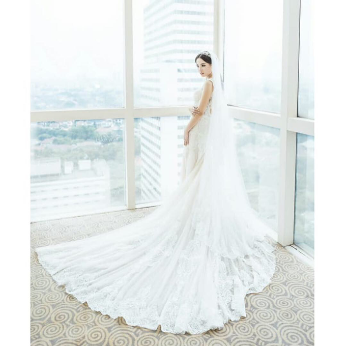 Wedding Stephanie and Sastra by Luminous Bridal Boutique - 008