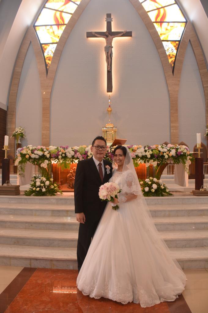 Wedding Day Yuri and Ricka by Luminous Bridal Boutique - 003