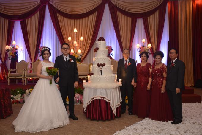 Wedding Day Yuri and Ricka by Luminous Bridal Boutique - 004