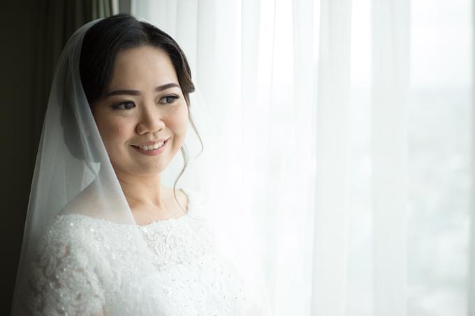 Wedding Day Yuri and Ricka by Luminous Bridal Boutique - 006
