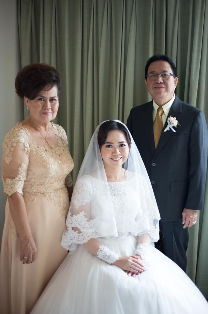Wedding Day Yuri and Ricka by Luminous Bridal Boutique - 007